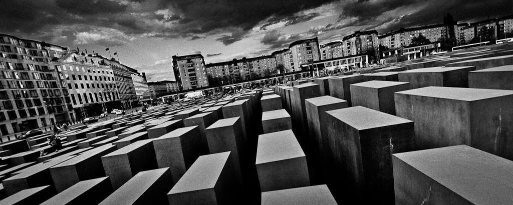 20120421 - Visite du Memorial a Berlin - Intro